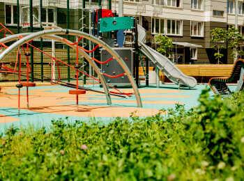 Игровая площадка на территории комплекса